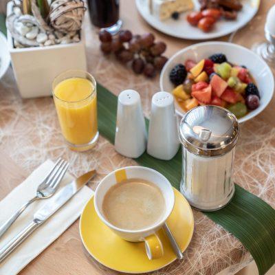 Beim Schrey Frühstück mit Kaffee